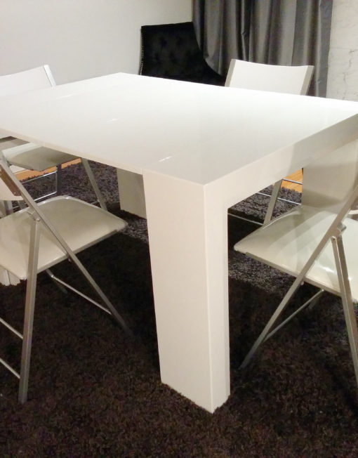 Junior-Giant-with-4 nano seat dining set