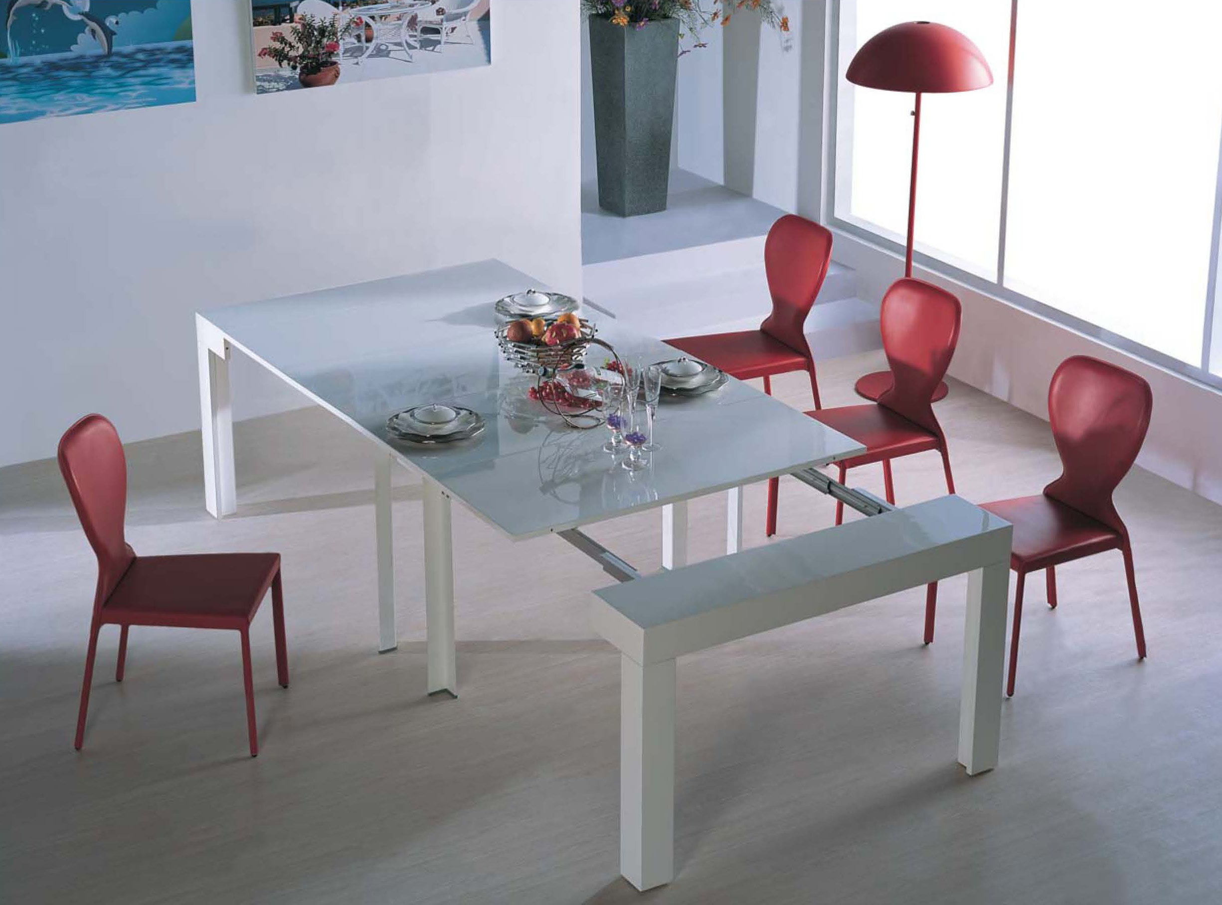 Expanding tables for cramped dining areas expand furniture for Big dining table in small space