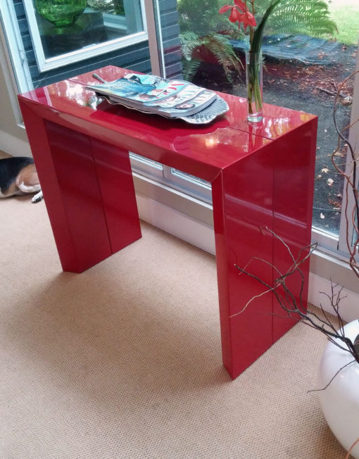 Junior-Giant-Edge-in-Red-Gloss-extendable-console-table