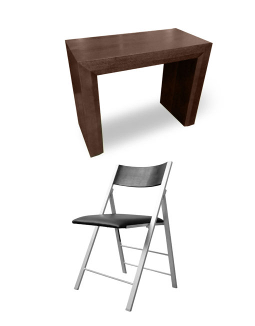 Junior-Giant-in-Walnut-and-with-black-nano-chairs