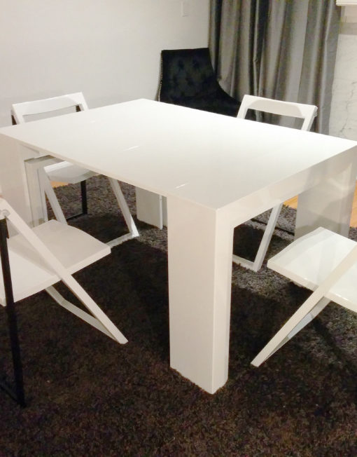 Junior Giant Extending Table Set With Chairs Expand