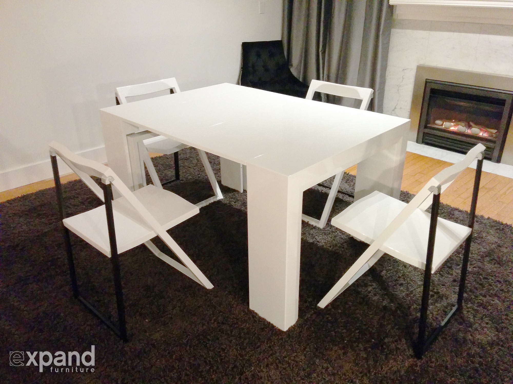Junior Giant Extending Table Set with Chairs