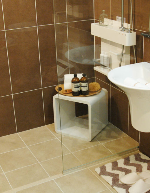 modular-cube-2121-waterproof-in-shower