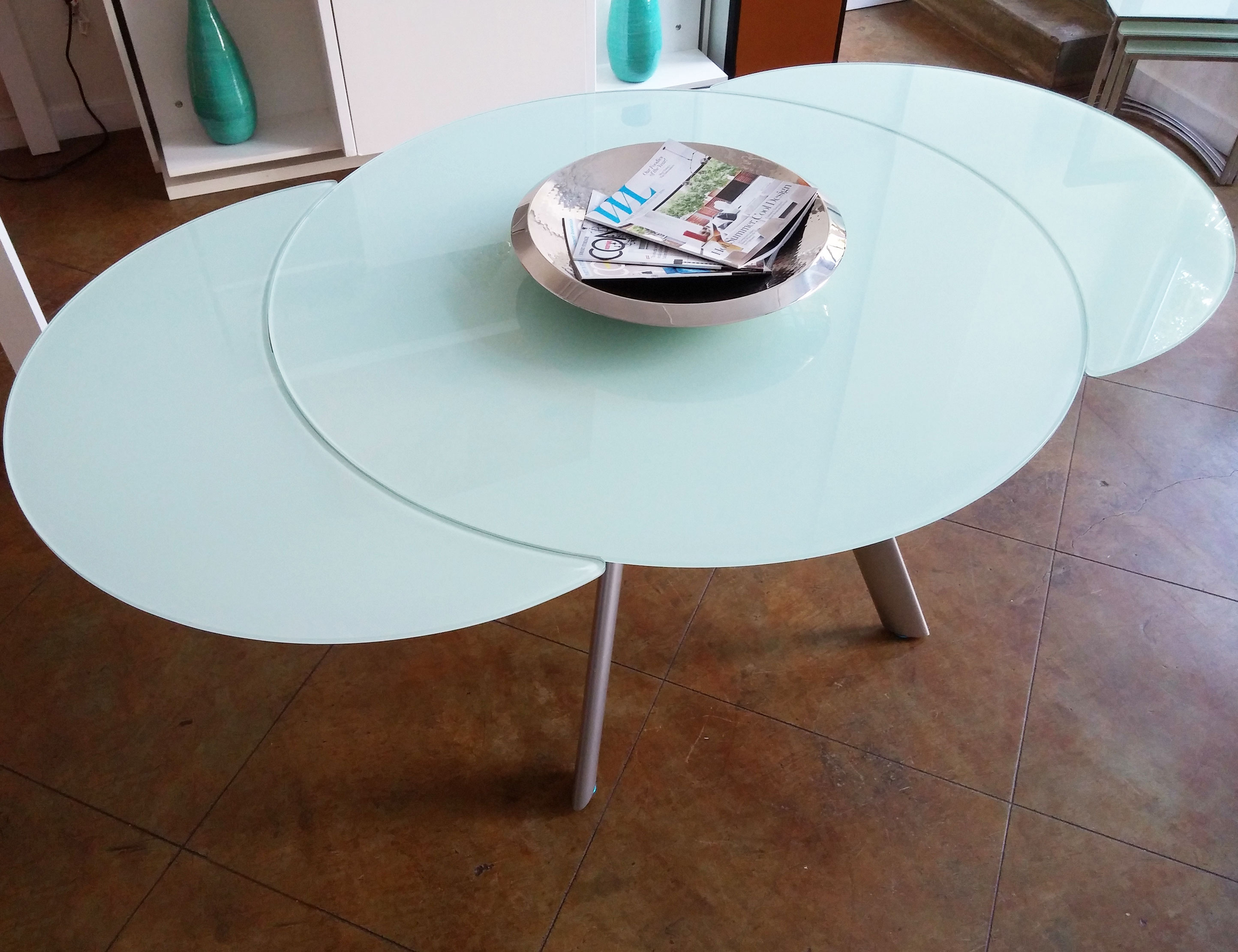 Picture of: The Butterfly Expandable Round Glass Dining Table Expand Furniture Folding Tables Smarter Wall Beds Space Savers