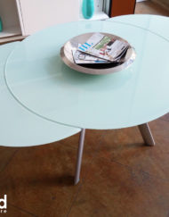 butterfly-round-glass-expanded-table-in-white-glass