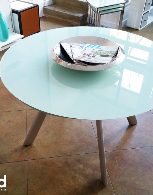 butterfly-round-glass-expanding-table