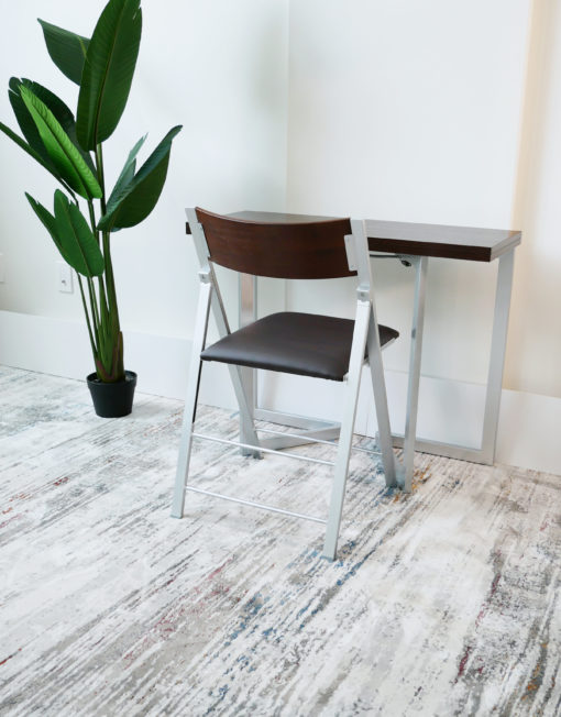 Flip Mini desk to that doubles into a table or larger desk