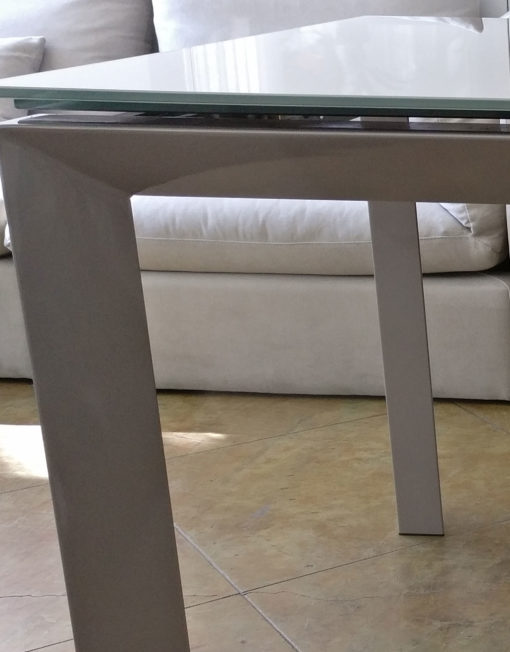 Details-of-frame-table-top-and-metal-work-finish