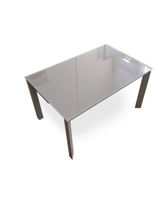 The-Frame-rectangular-table-changes-to-a-square-table-extender-1
