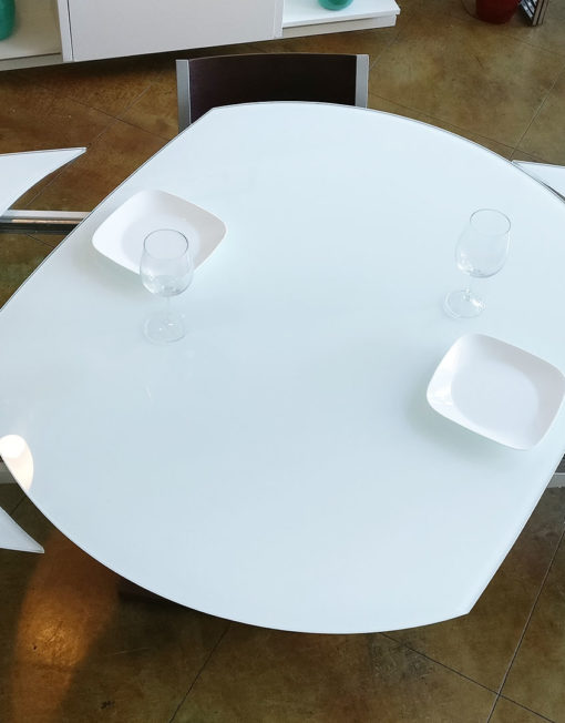 BaoBob-extending-glass-table-with-wood-base