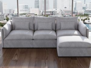 The modern modular couch is the ideal choice for a creative office lounge